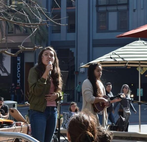 Veronica+Gonzalez+%2810%29+and+Megan+Uy+%2810%29+singing+and+playing+the+ukulele.+